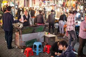 h-night-market-2r