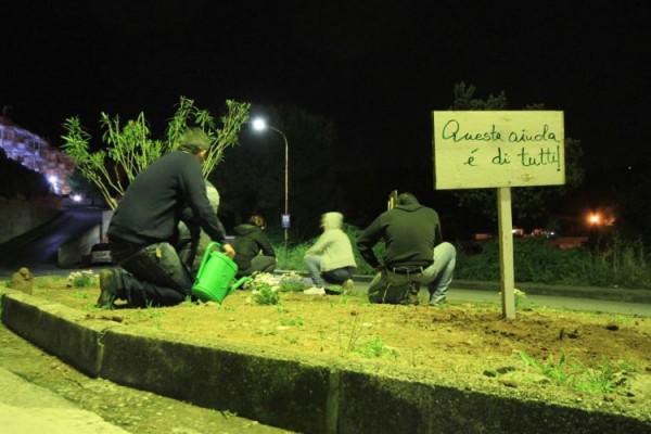 Guerrilla-gardening1